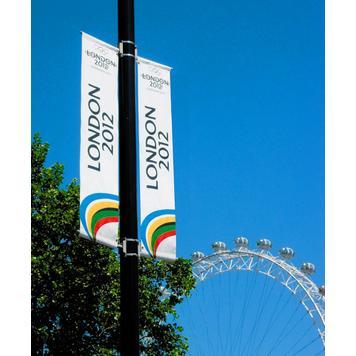Banner- en vlaggensysteem voor lantaarnpalen