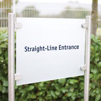 "Informatiebord ""Straight-Line Entrance"""